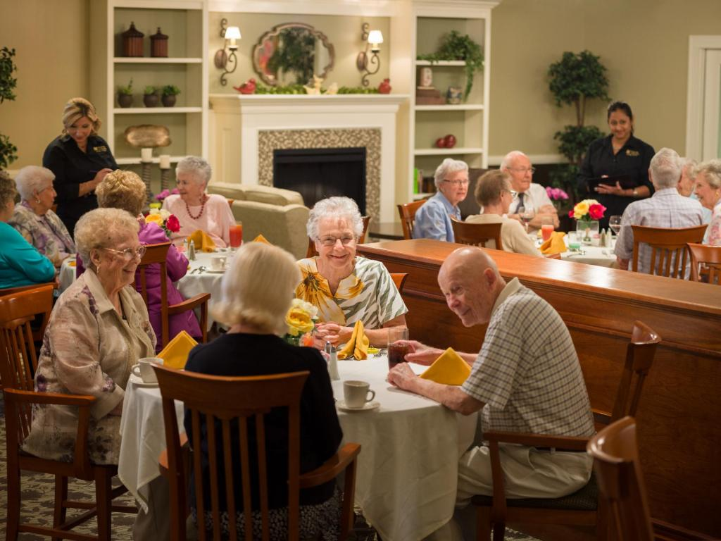 Monarch dining room a spacious elegant setting for dinner for Nursing home dining room ideas